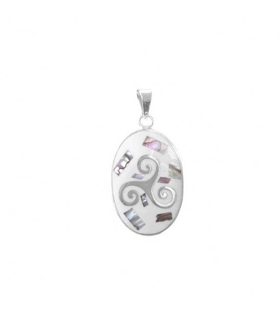 PENDENTIF OVALE TRISKELL