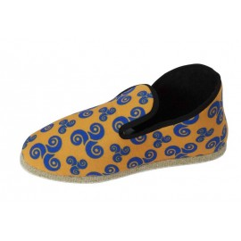 CHAUSSONS ORANGE TRISKELL BLEU