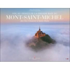 VOL AU-DESSUS DE LA GRANDE BAIE DU MONT-SAINT-MICHEL - Des îles Chausey à Saint-Malo